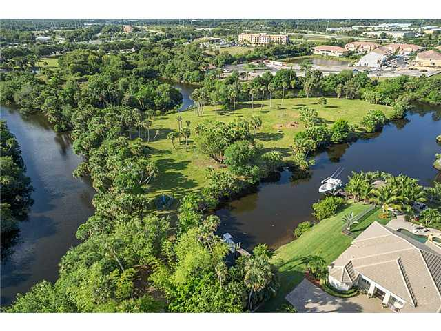 SW Quiet River CT, Stuart, FL 34997