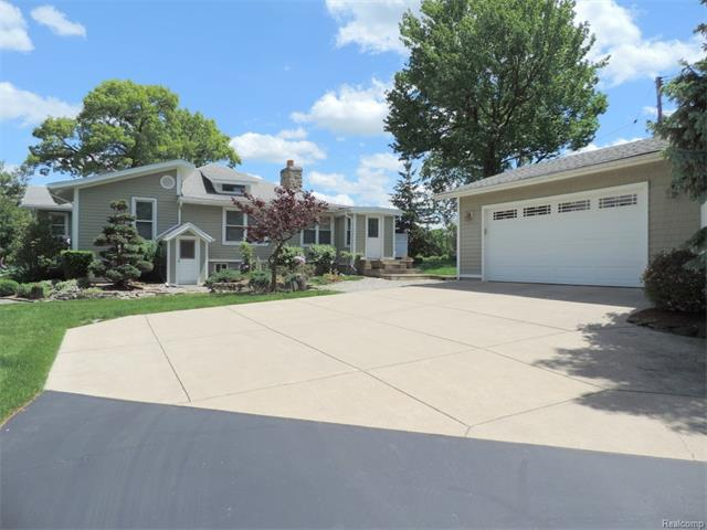 2967 WARNER Drive, West Bloomfield Twp, MI 48324