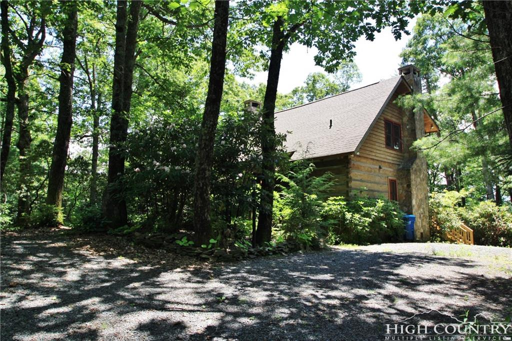 370 Tarry Acres Circle, Blowing Rock, NC 28605