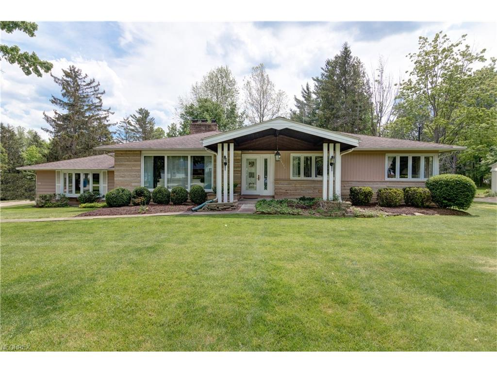 34936 Dixon Rd, Willoughby Hills, OH 44094