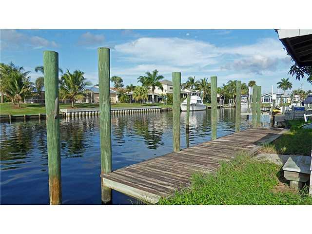 1583 SW Seagull Way, Palm City, FL 34990