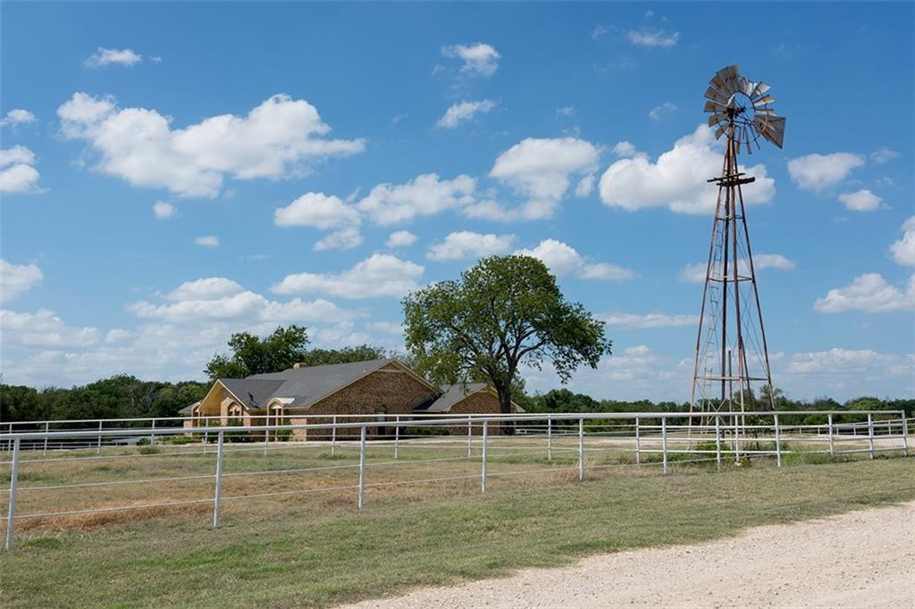 13125 Friendship Road, Pilot Point, TX 76258