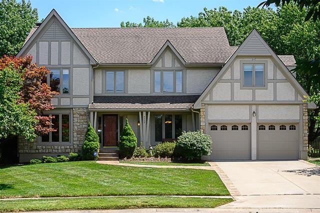 3225 W 121st Terrace, Leawood, KS 66209
