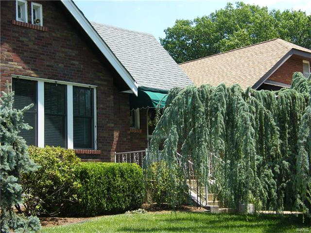 5705 Holly Hills Avenue, St Louis, MO 63109