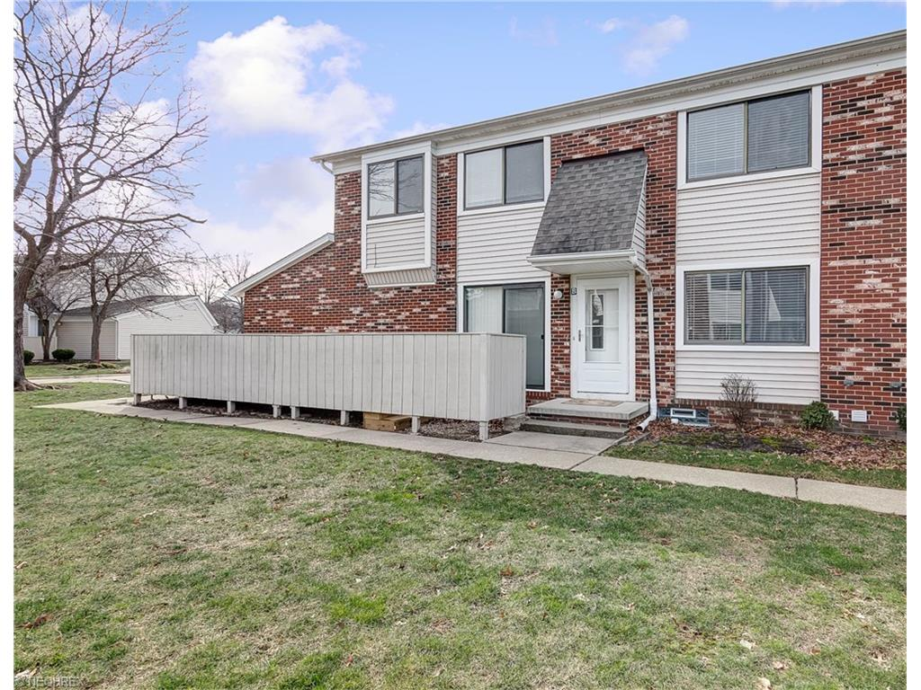 5460 Sierra Dr 72-B, Willoughby, OH 44094