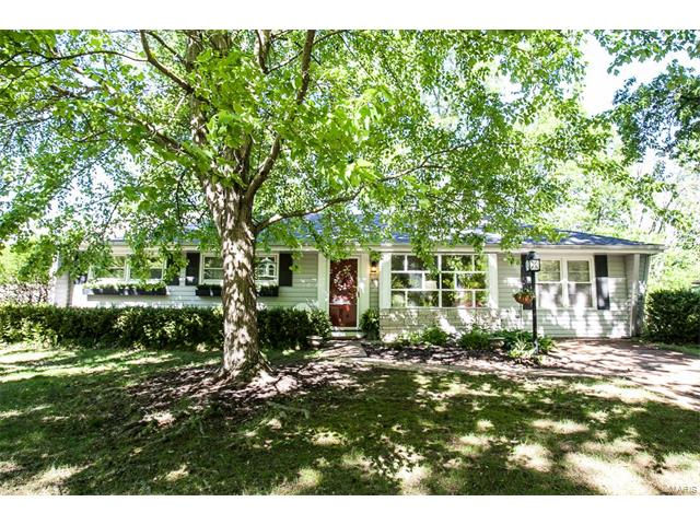 815 Brookdale Drive, Webster Groves, MO 63119