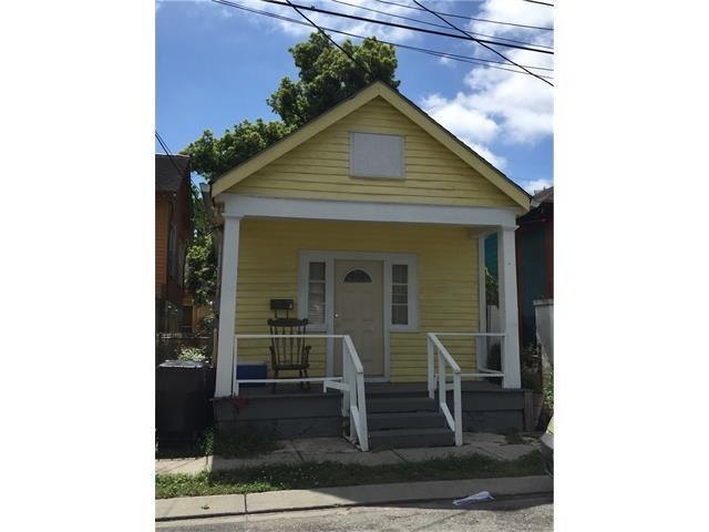 1530 ROUSSELIN Drive, New Orleans, LA 70119