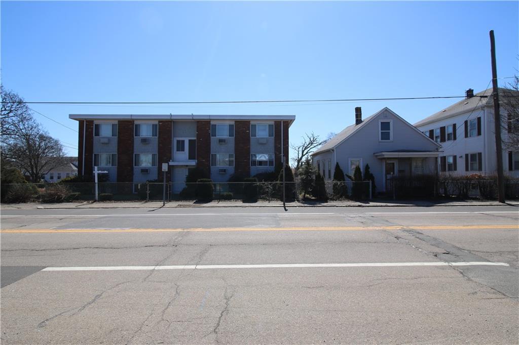 425 Warren AV, East Providence, RI 02914