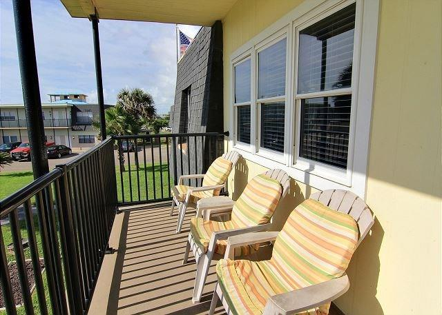 700 Island Retreat 42, Port Aransas, TX 78373