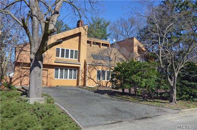 9 Ridgeway Rd, Port Washington, NY 11050