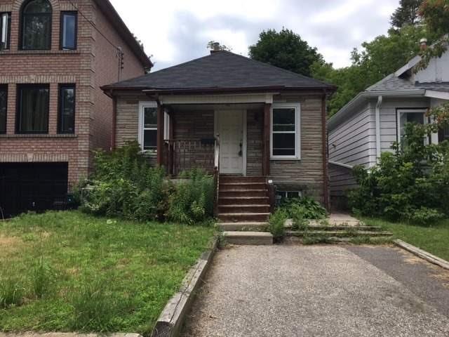 132 King Edward Ave, Toronto, ON M4C 5J8