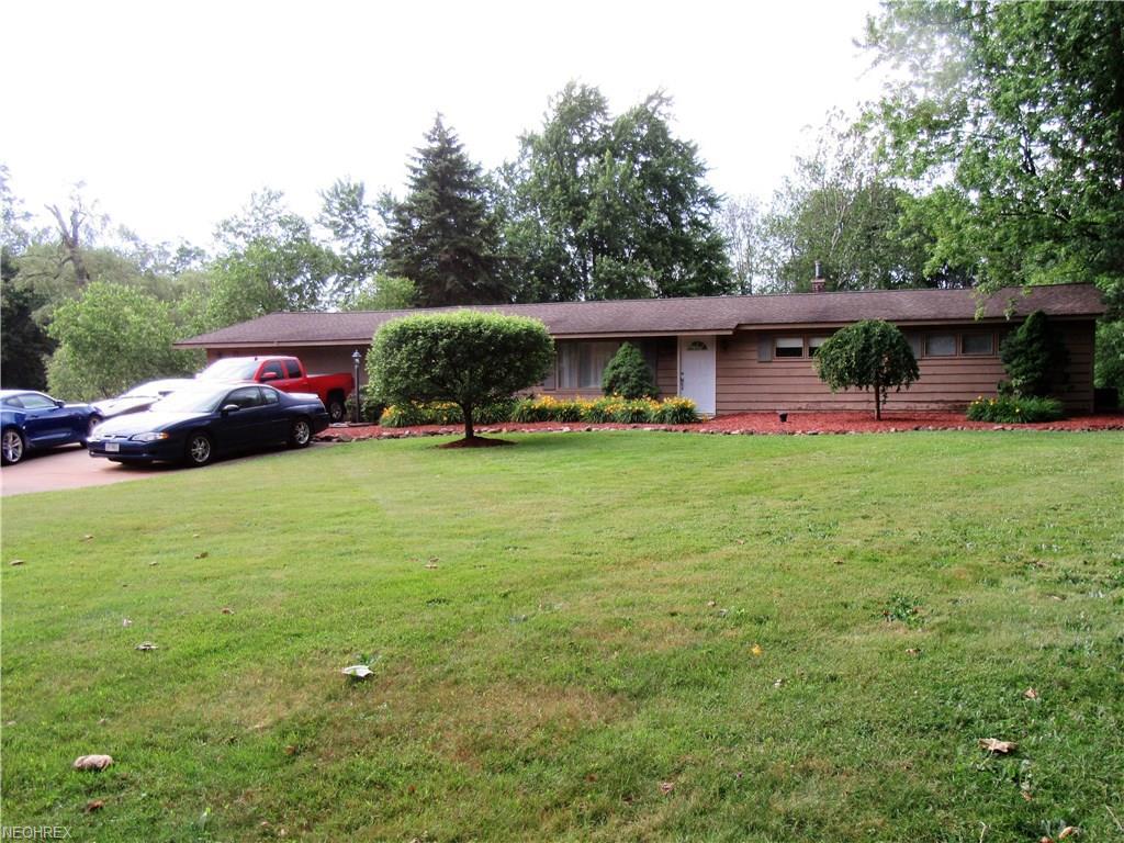 8620 Beacon Hill Dr, Bainbridge, OH 44023