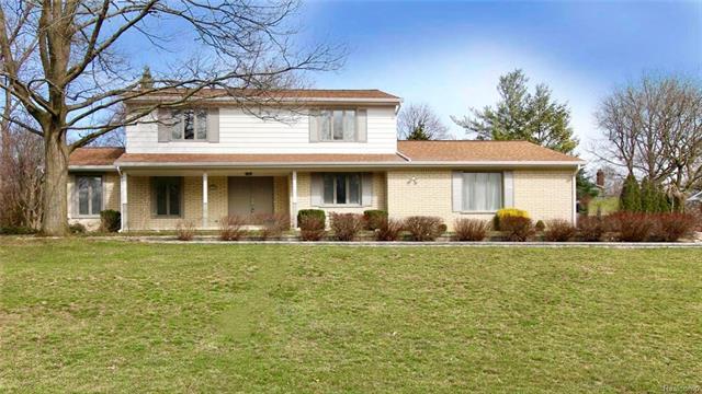 1724 OAKSTONE DR, Rochester Hills, MI 48309