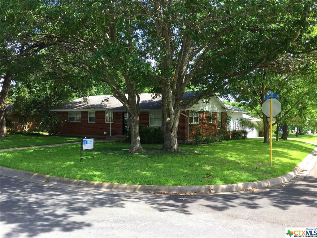 203 E Young Street, Temple, TX 76501