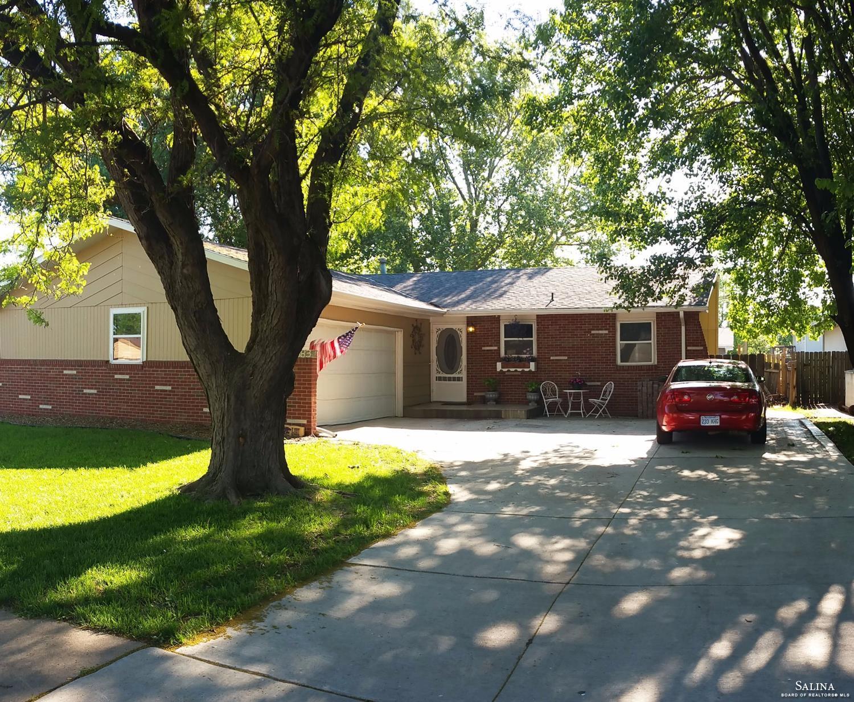 2383 Edward Street, Salina, KS 67401