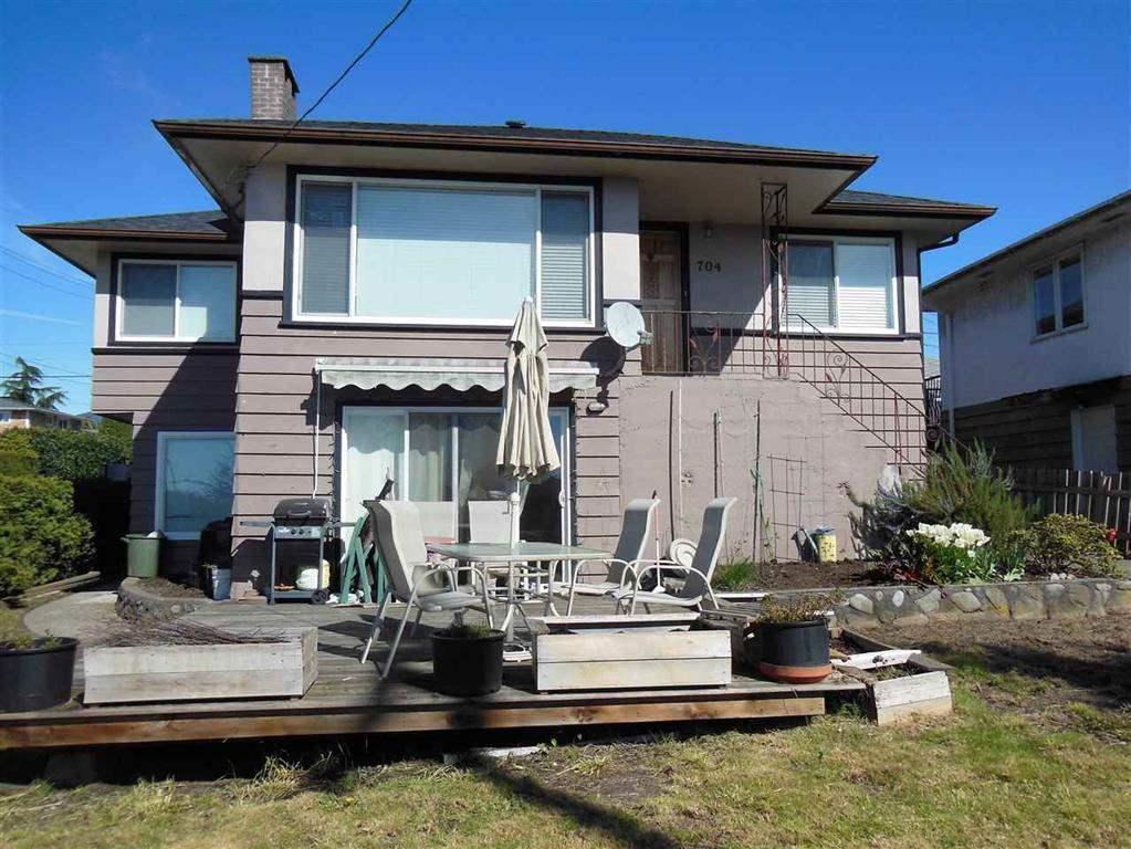 704 E 4TH STREET, North Vancouver, BC V7L 1K2