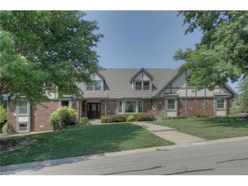 3500 W 121st Terrace, Leawood, KS 66209