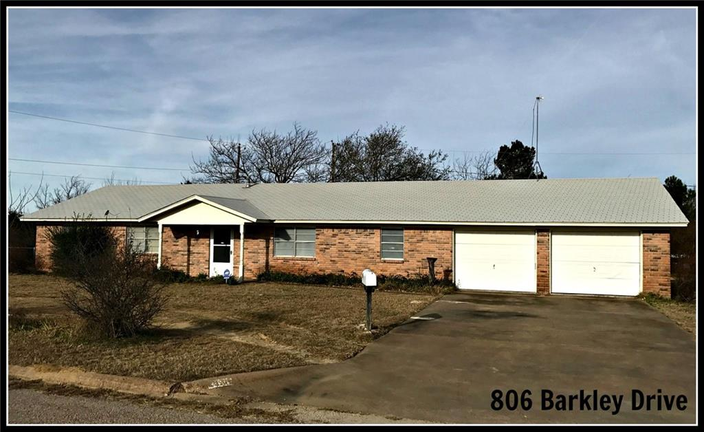806 Barkley Drive, Hamilton, TX 76531