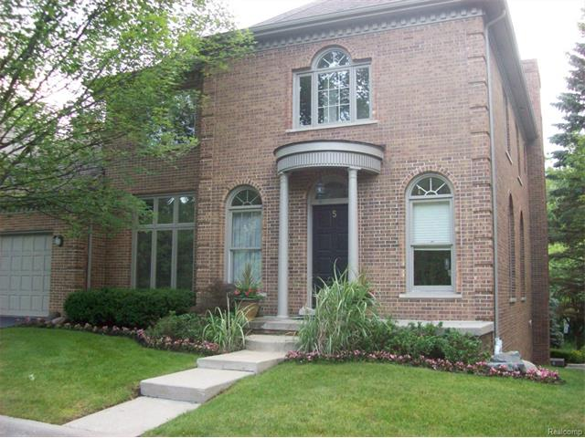 5 Manorwood, Bloomfield Hills, MI 48304