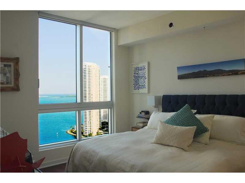 300 S Biscayne Blvd T-2614, Miami, FL 33131