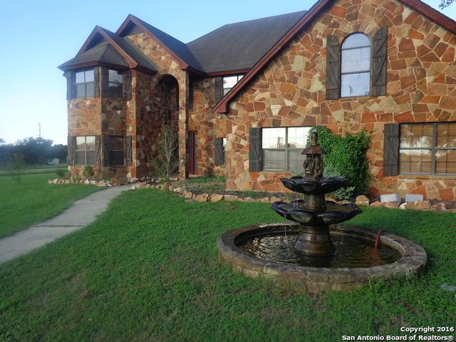 1774 US HWY 181 N, Floresville, TX 78114