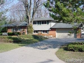 7626 LAKEPOINT ST, West Bloomfield Twp, MI 48323