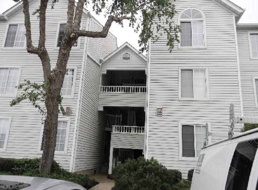 223 ISLAND COVE CT, Hampton, VA 23669