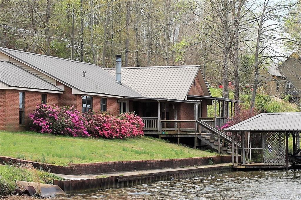 488 WOMBLE Lane, Deatsville, AL 36022