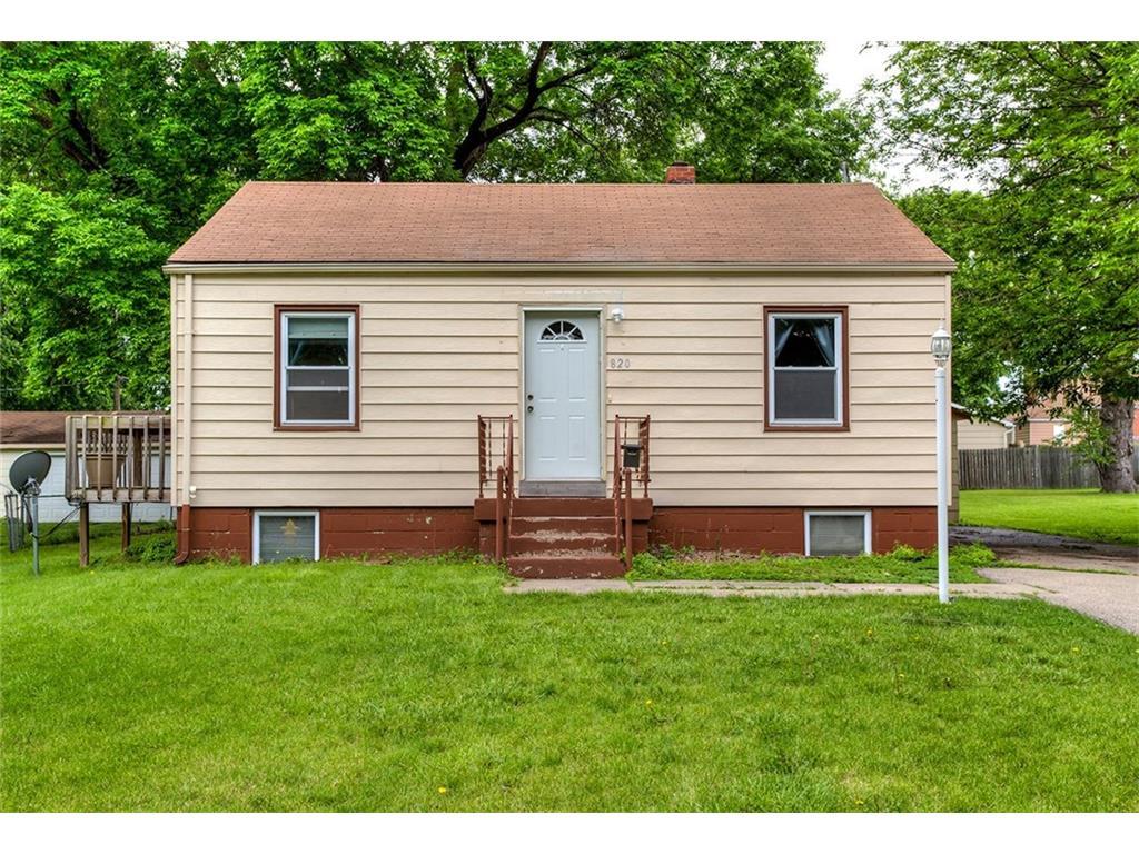 820 9th Street, West Des Moines, IA 50265