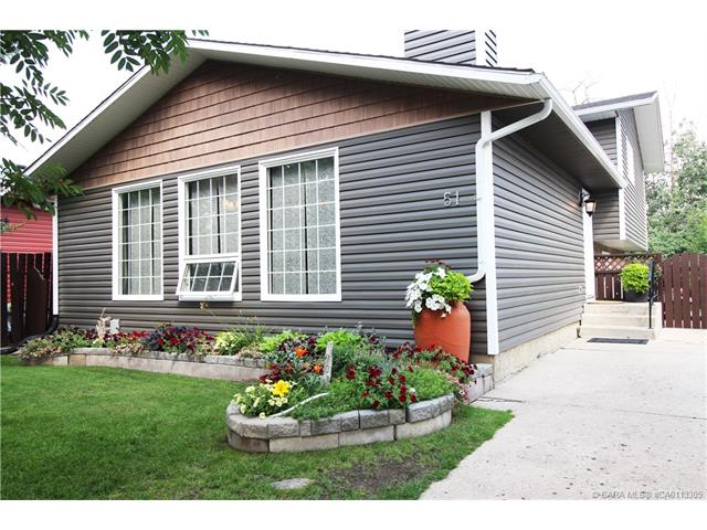 51 Willow Crescent, Lacombe, AB T4L 1V2