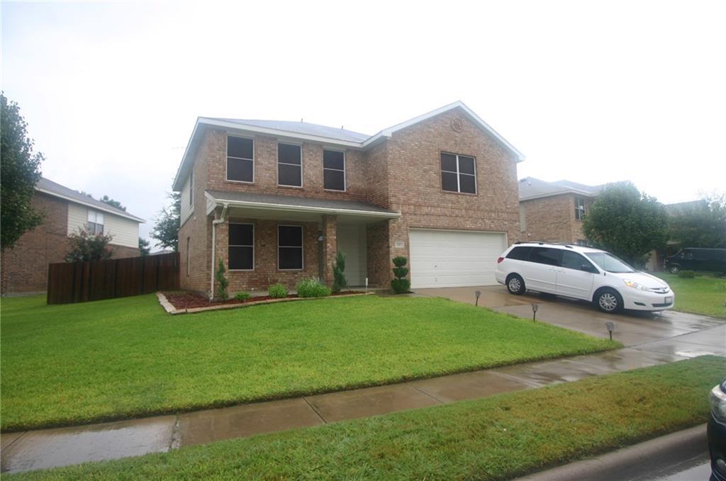 917 Rock Dove Circle, Saginaw, TX 76131