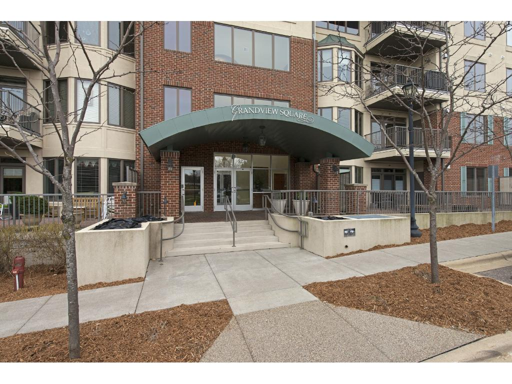 5275 Grandview Square 3402, Edina, MN 55436