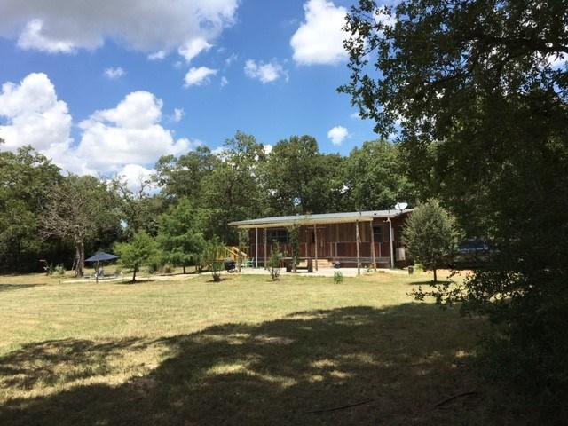 127 Farris Ln, Smithville, TX 78957