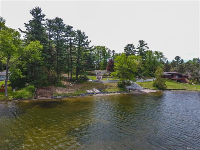 0000 HEIGHTS RD, Orion Twp, MI 48362