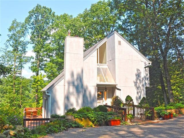 17 Cedar Terrace, Sloatsburg, NY 10974