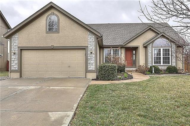 15594 S Hunter Street, Olathe, KS 66062