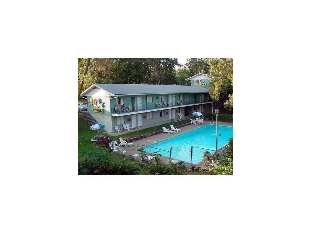 216 W Van Buren AVE, Eureka Springs, AR 72632