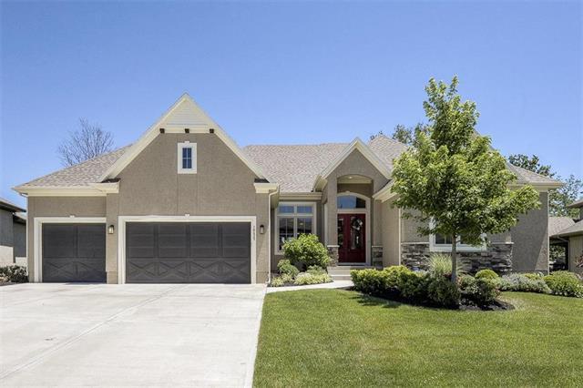 16425 Oakmont Street, Overland Park, KS 66062
