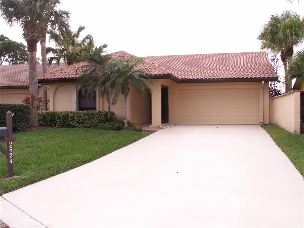 2524 SW Bobalink Circle, Palm City, FL 34990