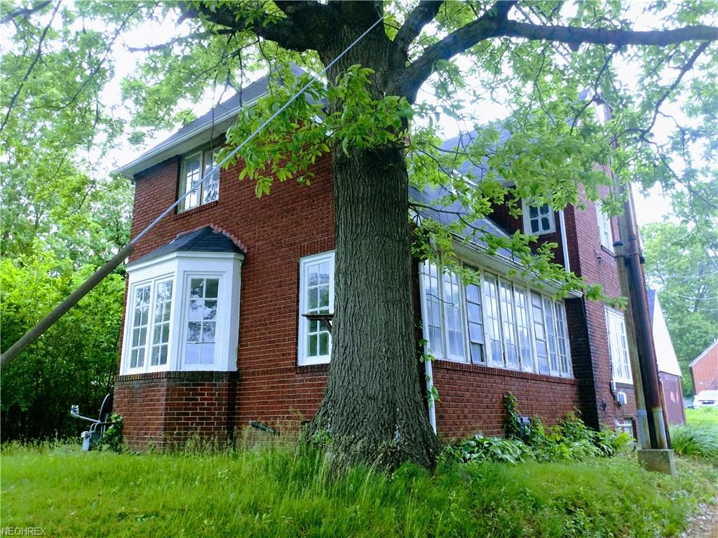 410 Chestnut St, Coshocton, OH 43812
