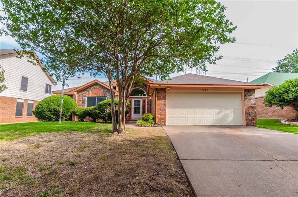 521 Lindly Street, Grand Prairie, TX 75052