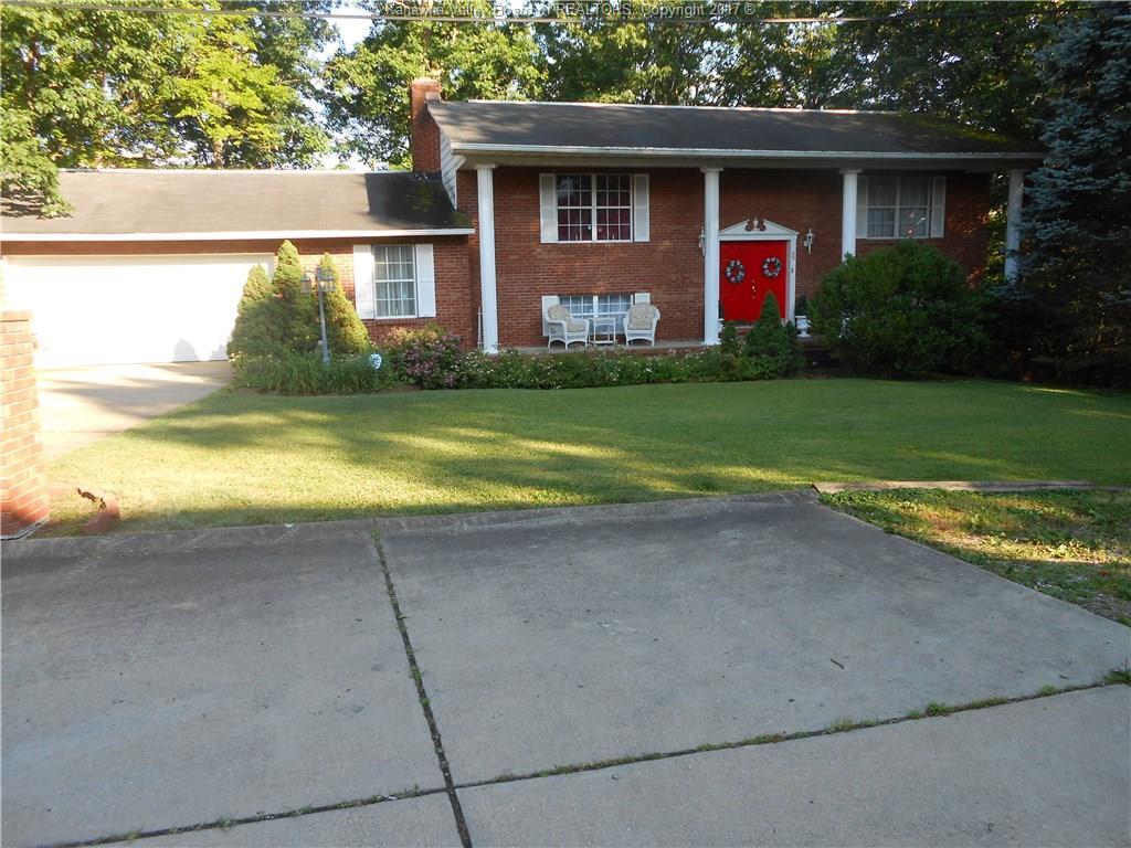 69 Pine Hill Drive, Poca, WV 25159