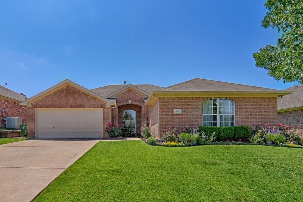 612 Ember Lane, Mansfield, TX 76063