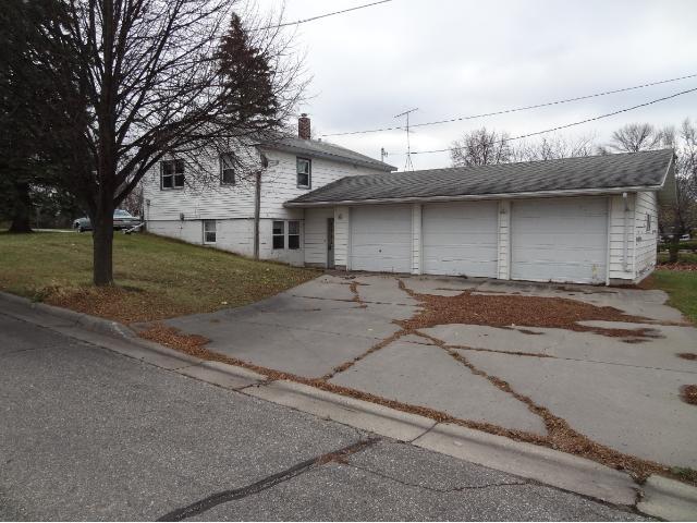 348 Milkyway Street N, Cosmos, MN 56228