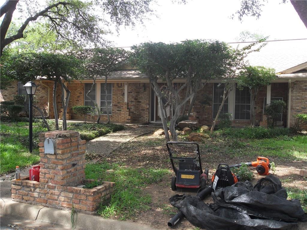 432 W Louella Drive, Hurst, TX 76054