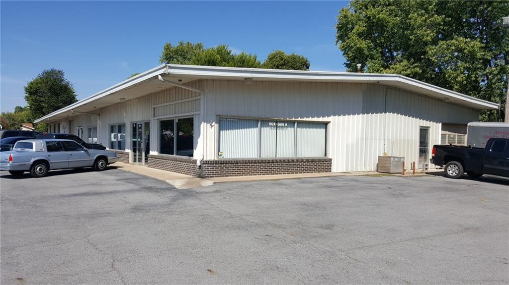 1024 Washington ST, Siloam Springs, AR 72761