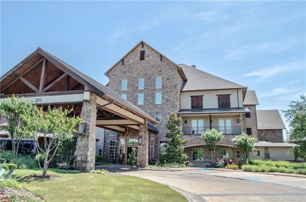 301 Watermere Drive 302, Southlake, TX 76092