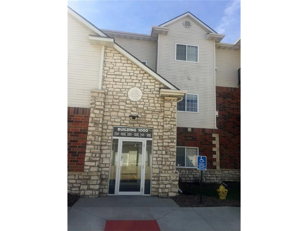 6255 Beechtree Drive 1202, West Des Moines, IA 50266