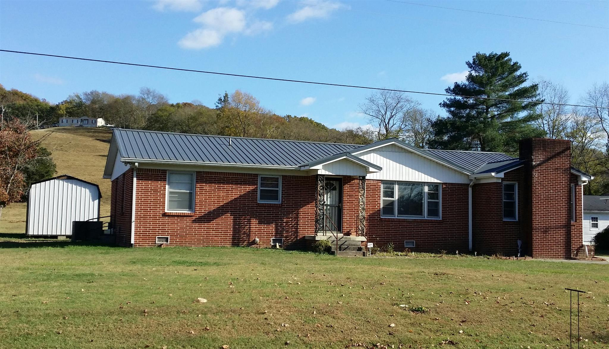 34 Horseshoe Bend Ln, Elmwood, TN 38560