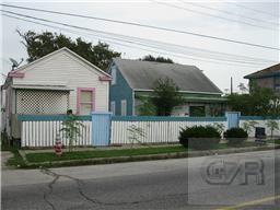 2826 M, Galveston, TX 77550